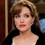 Анджелина Джоли и Педро Алмодовар ще работят по съвместен проект