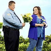"""Отличеният с награда """"Еми"""" комедиен сериал """"Майк и Моли"""" – премиерно по bTV Comedy от 2 октомври"""