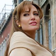 Анджелина Джоли оглави класацията на сп. Форбс за най-скъпоплатените актриси