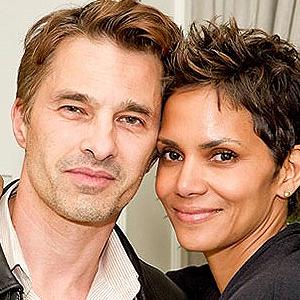 Хали Бери и Оливие Мартинес се развеждат и спорят за пари