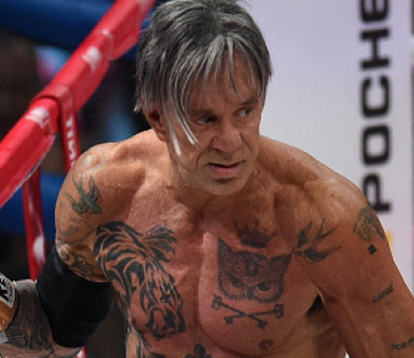 Мики Рурк отново на ринга