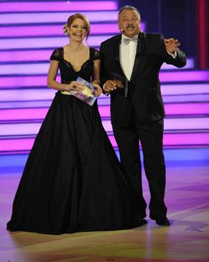 Днес, на 20 май, страхотната водеща на Dancing Stars Алекс Сърчаджиева празнува 30-годишен юбилей.